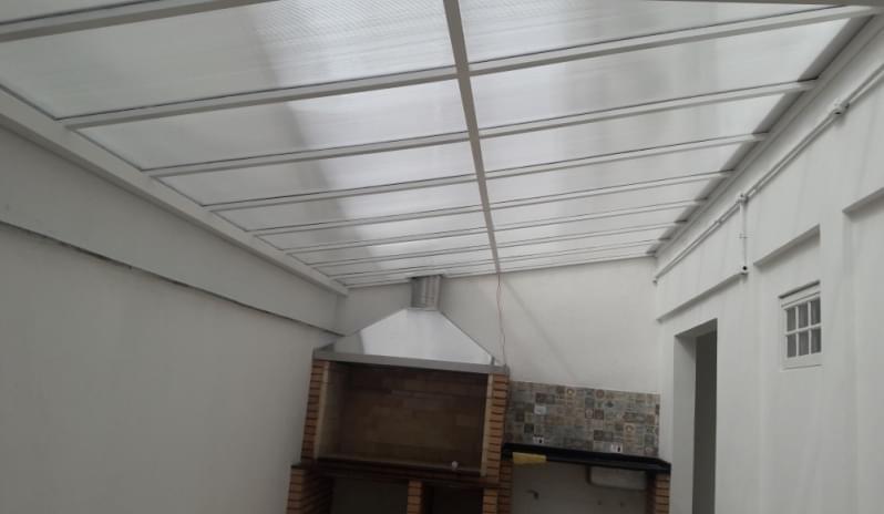 Cobertura em Policarbonato Alveolar para Churrasqueira Vila Anastácio - Cobertura em Policarbonato Alveolar para Garagem