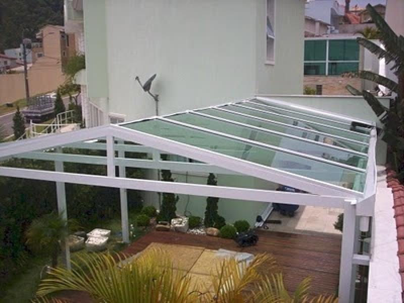 Cobertura em Policarbonato para Garagem Preço Jardim Guarapiranga - Cobertura em Policarbonato para Churrasqueira