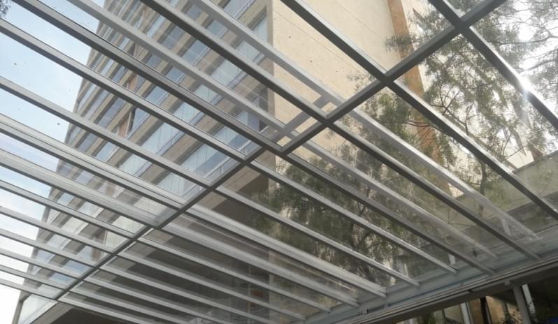 Empresa de Cobertura de Vidro para Varandas Vargem Grande Paulista - Cobertura em Vidro para Pergolado