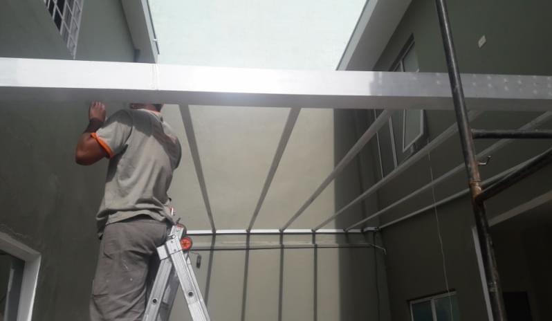 Fábrica de Cobertura de Policarbonato Alveolar para Varandas Vila Maria - Cobertura em Policarbonato Alveolar para Garagem
