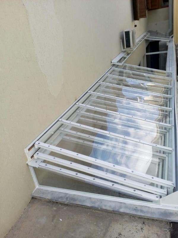 Manutenção de Cobertura de Policarbonato Alveolar em Quintal Salesópolis - Manutenção de Cobertura em Policarbonato Alveolar em Garagem