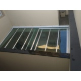 cobertura de policarbonato retrátil para janelas preço m2 Jurubatuba