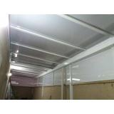 fábrica de cobertura de policarbonato alveolar para lavanderia Poá