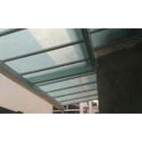 manutenção de cobertura de policarbonato alveolar em garagem
