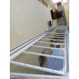 manutenção de cobertura em policarbonato alveolar em piscina