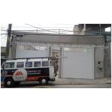 manutenção de cobertura de policarbonato retrátil em lavanderia